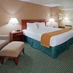 Holiday Inn Express Hotel & Suites Milwaukee-New Berlinの写真