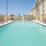 ภาพถ่ายของ La Quinta Inn & Suites Dallas I-35 Walnut Hill Ln