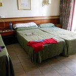 2 single beds different heights!