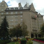 The Fairmont Hotel Macdonald resmi