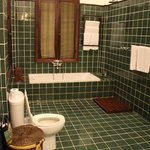 Satri House Suite Bathroom