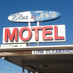 Blue and White Motel resmi