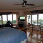 Cliffside Suites resmi