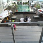 Foto de HARRIS Hotel & Residences Riverview Kuta