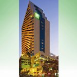 Holiday Inn Bangkok Silom Exterior