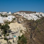 Oia to the side
