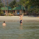 Photo de Koh Chang Kai Bae Beach Resort