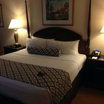 Crowne Plaza Washing National Airport, king-bed room
