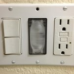 power socket missing screw, should be an easy fix.  Night light on this socket doesn't work.