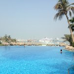 Foto de Le Meridien Mina Seyahi Beach Resort and Marina