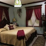 Big Yellow Inn Bed & Breakfast resmi