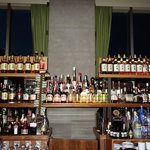 The amazing bar with a massive range of foreign and Japanese whiskey