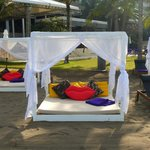 Beachside daybed