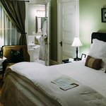 Photo de 1801 First Luxury Inn