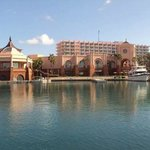 Atlantis - Harborside Resort resmi