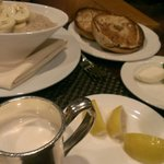 Breakfast at the Polo Lounge. 