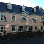 Dragon Inn Crickhowell