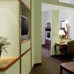 Foto de BEST WESTERN PLUS Bradbury Inn & Suites