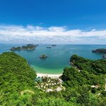 Cat Ba Beach Resort