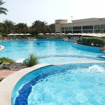 Photo de Beach Rotana - Abu Dhabi