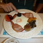 Full Irish breakfast including black and white pudding