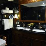 Luxurious appointed bathroom