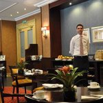 Breakfast - Executive Lounge - host Ian
