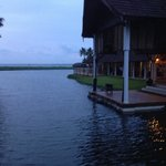 Kumarakom Lake Resort resmi