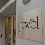 Foto de The Jewel Facing Rockefeller Center