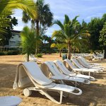 Each chair had a float - loved the beach! It felt very secluded with trees around - lots of hamm