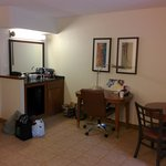 wet bar/dining area/ office