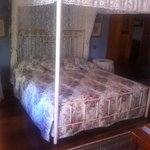 """Lace Room"" comfy bed!"