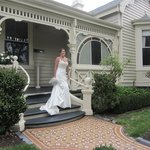 A Bride leaves from Kurrajong House