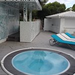 Hot tub and dj area -great chill out tunes every night !