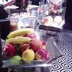 beakfast buffet fruits