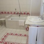 Nice bath but small tub and towel warmer didn't work