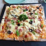 the yummy pizza from Harrissimo