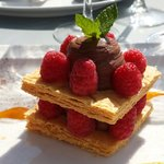 Le mille feuille framboise chocolat. Mmmm