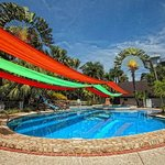 The Ritz Hotel At Garden Oases Foto
