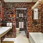 SIXTY SoHo - Bathroom