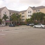 صورة فوتوغرافية لـ ‪Candlewood Suites Fort Myers Sanibel / Gateway‬