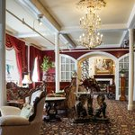 The Queen Anne Hotel resmi