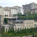 The hotel on the cliff in Gordes