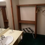 Americas Best Value Inn Plattsburgh resmi