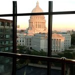 Madison Concourse Hotel and Governor's Clubの写真