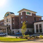 Photo of Holiday Inn Express & Suites Duncan