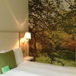 Loved the woodland wall ... definitely in keeping with the Hotel and it's surroundings.