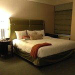 Spacious room, comfortable bed