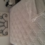 3/4 double bed with single headboard