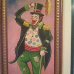 Nice picture of a hapy clown, can be seen in the lobby